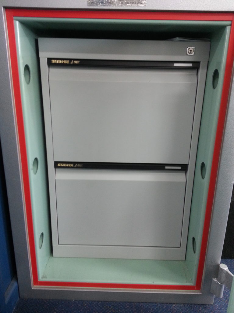 Security Safe with 2x Internal Drawers- Code: 3000